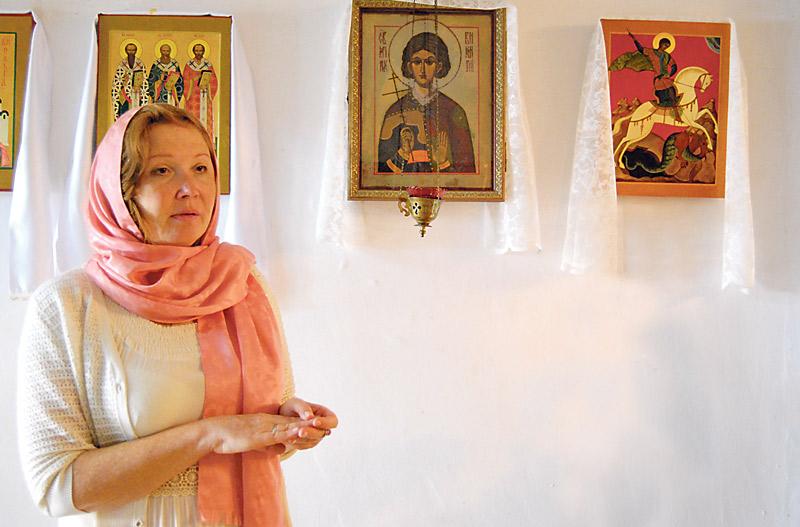 Una artista rusa residente en Valencia traslada  la figura de san Vicente mártir a icono bizantino Marina Khodakova es la principal iconógrafa de la Iglesia ortoxa rusa en la diócesis de Valencia