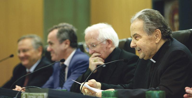 """Card. Caffarra: """"Hemos ignorado el pensamiento de san Juan Pablo II en las catequesis sobre el amor humano"""" El arzobispo de Bolonia reivindica la """"teología del cuerpo"""" y la """"misión genero-educativa"""" de la familia"""