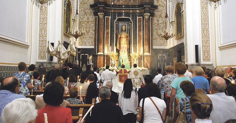 La Capilla de Adoración Eucarística Perpetua de Valencia  celebra su tercer aniversario tras registrar más de 26.000 turnos En la capilla de la Comunión de la parroquia de San Martín, abierta las 24 horas los 365 días del año