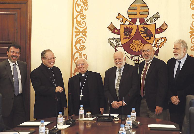"""Acuerdo entre la Diócesis y la Comisión Islámica para ayudar a refugiados y orar en común por la paz A iniciativa del Cardenal , """"para trabajar inmediatamente, no teorizar y lograr objetivos"""""""