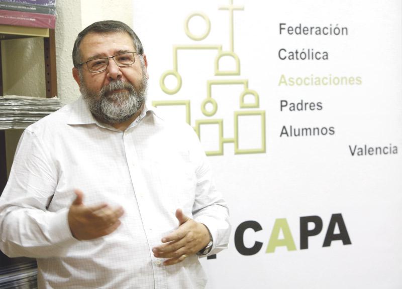 """""""La mejor formación cívica y ética proviene de la religión que, además, enseña valores"""" Entrevista a Vicente Morro, presidente de la Federación Católica de Asociaciones de Padres de Alumnos de Valencia (FCAPA)"""