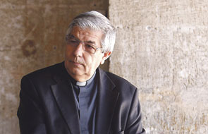 """""""Jaime, tú ¿maestro de ceremonias? ¡Pues veremos cómo acaba esto!"""" Entrevista a Jaime Sancho, tras 42 años formando en Liturgia a sacerdotes"""