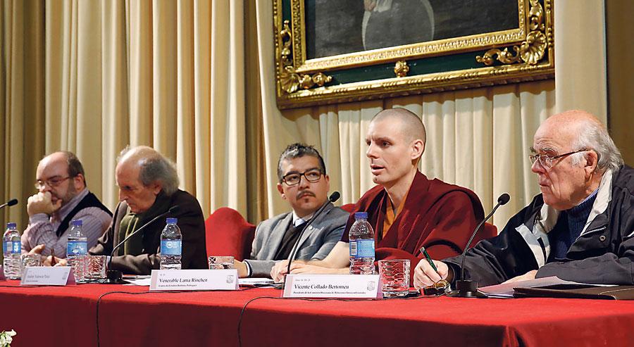 Representantes religiosos abordan los 50 años de 'Nostra Aetate' Resumen de la mesa redonda en la que participaron católicos, budistas y musulmanes
