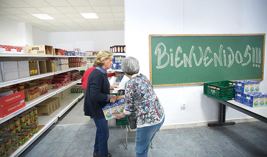 28.700 personas comen gracias a los economatos La diócesis de Valencia cuenta ya con 54 economatos parroquiales