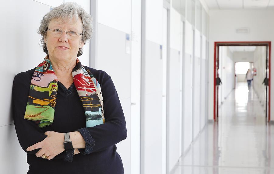 """""""Dirijo mi vida a los demás intentando transmitir  honradez"""" Entrevista a Pilar Roig, catedrática de Restauración de Bienes Culturales de la UPV"""