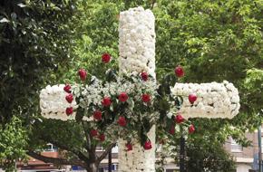 Las cruces de mayo y su razón de ser El 3 de mayo, en distintos puntos de la diócesis, se celebra la festividad de la Santa Cruz