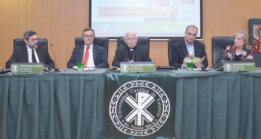 """""""La educación católica, un bálsamo para el desamparo radical que viven hoy tantos niños"""" El Cardenal inaugura el IX Congreso Internacional de Educación Católica"""