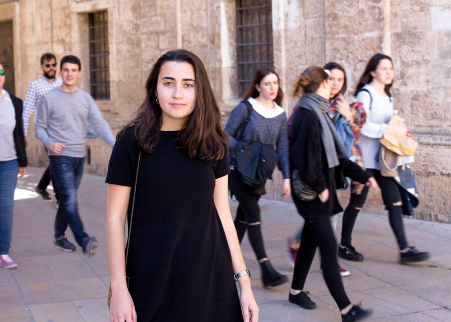 """""""Sé que me la juego cuando hablo, pero urge"""" Entrevista a Lucía Garijo: valenciana de 21 años, estudiante de Bellas Artes y autora de dos cortos sobre mujer, amor y sexualidad"""