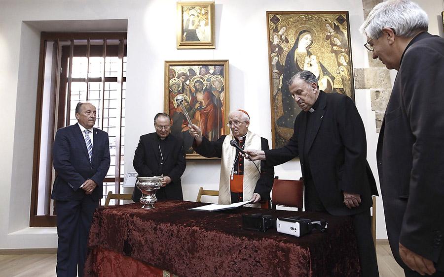"""El nuevo museo de la Catedral abre ya sus  puertas en medio de una gran expectación Tras ser bendecido por el Cardenal, como un """"museo vivo, muestra de nuestras raíces cristianas"""""""