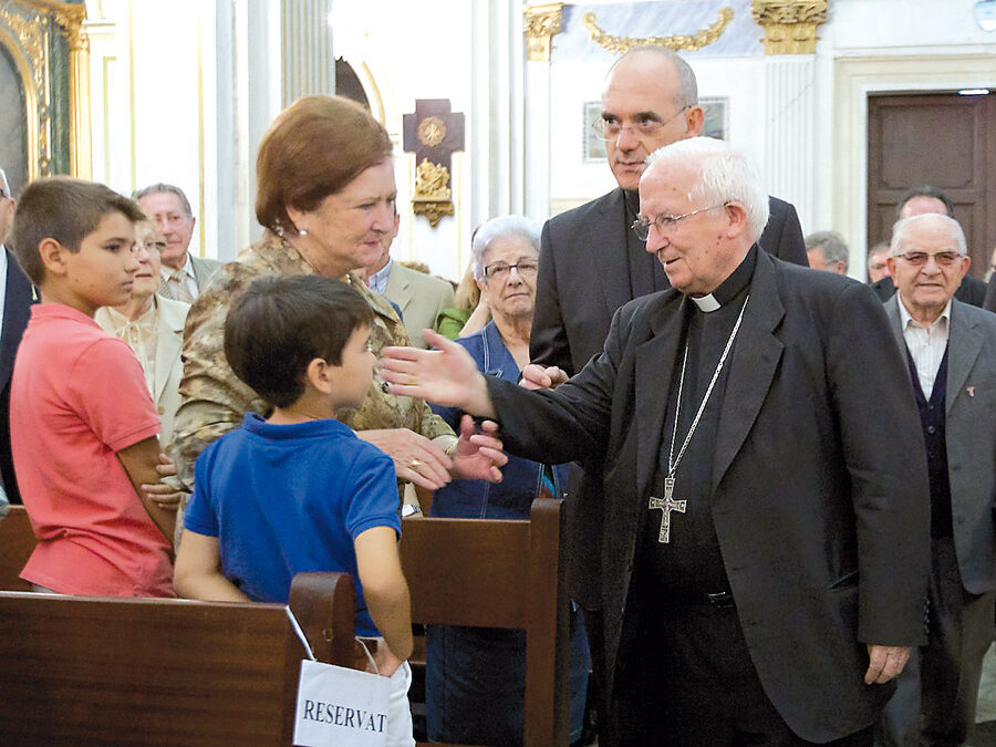 Un nuevo Obispo auxiliar Palabras del cardenal Cañizares anunciando el nombramiento de Arturo Ros como obispo auxiliar