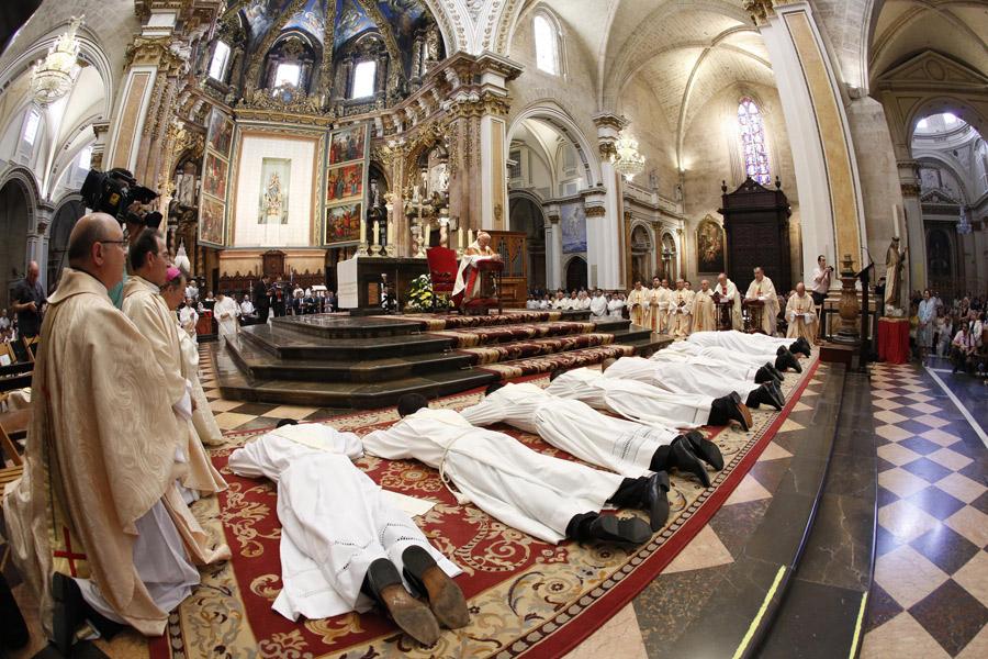 La Iglesia en Valencia recibe este sábado su mejor regalo: siete nuevos sacerdotes En una misa presidida por el cardenal arzobispo Antonio Cañizares el sábado 25 a las 11h. en la Catedral