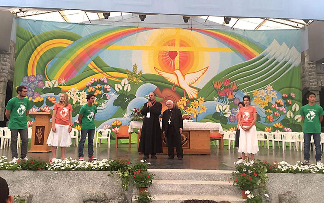 El Cardenal se reúne en Italia con valencianos en un encuentro de Comunidades del Cenáculo Invita a Valencia a estos grupos terapéuticos de sanación, oración y trabajo, que rescatan a jóvenes de adicciones