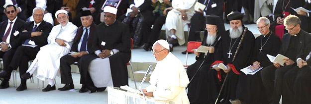 """""""La paz es santa, no la guerra"""" El Papa preside en Asís un encuentro con diferentes líderes religiosos para pedir la paz"""