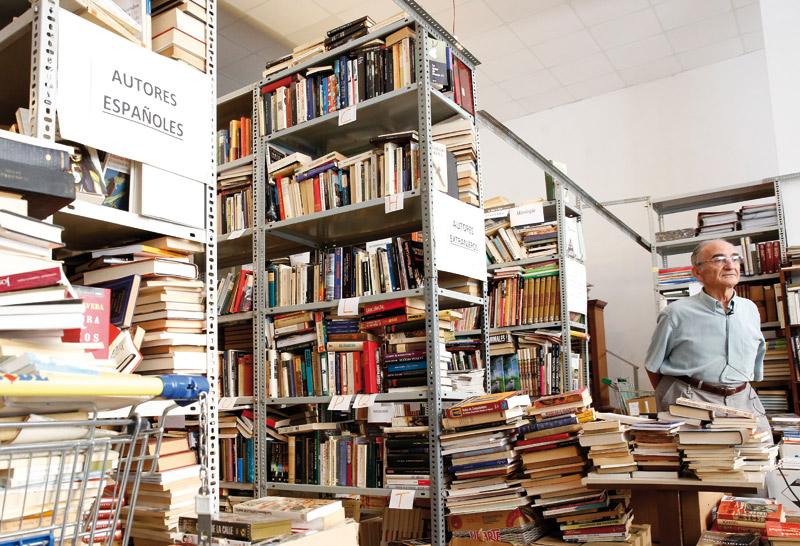Libros desde Valencia a ex niños soldado de Colombia La Biblioteca Solidaria Misionera envía 5.000 para apoyar la escolarización de los menores