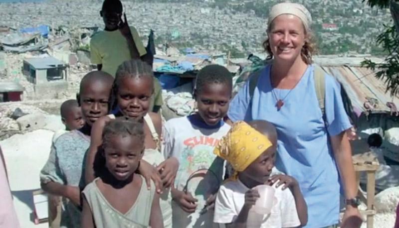La misionera española asesinada en Haití dio clase en el Jesús-María de Valencia El colegio organiza un funeral el día 14 por Isabel Solá