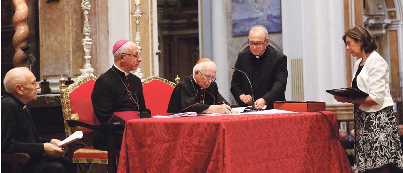 """""""Necesitamos modelos de santidad como el de D.Jesús Pla"""" El Cardenal abre la causa de canonización del que fue obispo auxiliar de Valencia"""