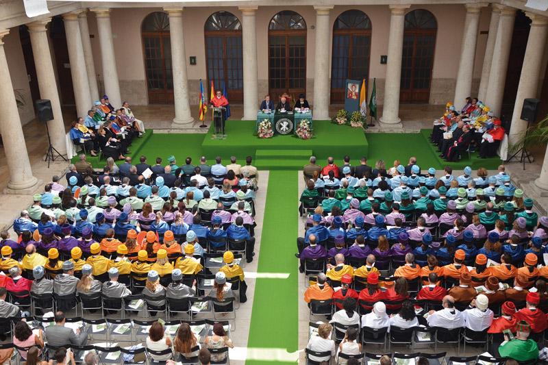 El Cardenal anuncia la creación de una cátedra para la Mujer y otra de formación para la vida pública En el acto de apertura de curso de la UCV celebrado en la Facultad de Teología