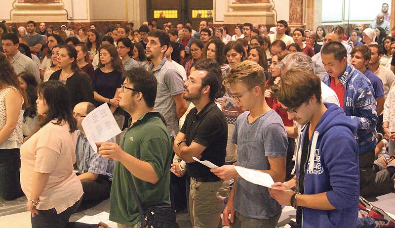 Los jóvenes vuelven a las vigilias de la Basílica En ella se presentaron las actividades juveniles del primer trimestre