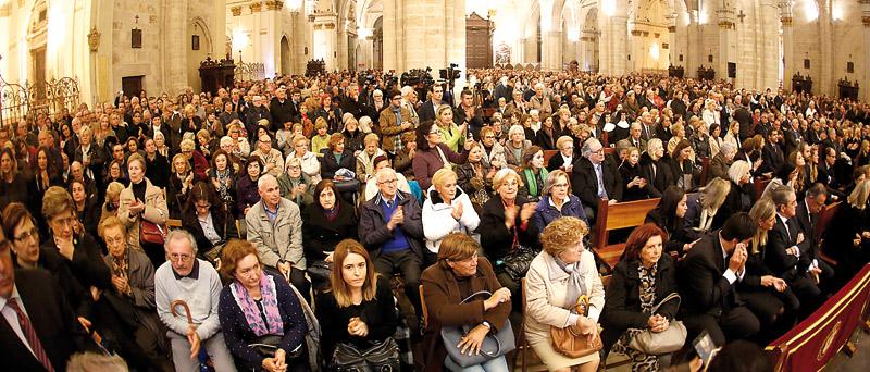 """""""Que la muerte de Rita Barberá sea para la concordia"""" Lo pide el Arzobispo en el funeral, ante una Catedral completamente llena"""
