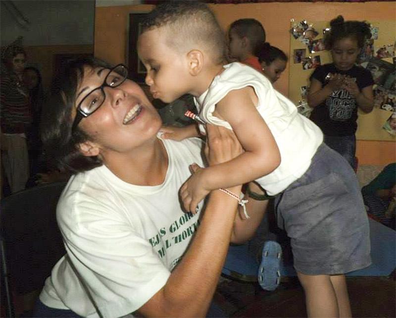 ¿Un plan de fin de semana? Viajar 400km. para ayudar a los inmigrantes en Níjar Mª del Mar Ojeda, de Juniors de Alfafar, ayuda a personas sin hogar y a inmigrantes