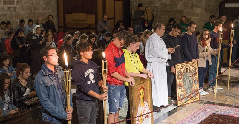 """El Cardenal a los jóvenes: """"No os dé corte anunciar el Evangelio"""" El Arzobispo de Valencia preside una misa con motivo del Jubileo de los Jóvenes"""