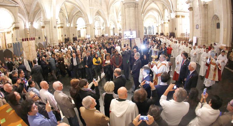 Cuatro nuevos proyectos caritativos continuarán en Valencia el espíritu del Año Santo de la Misericordia Los anunció el cardenal Cañizares durante la clausura del Jubileo
