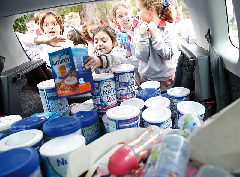 Como hace 2.000 años, aún hay madres que necesitan cobijo para sus bebés 500 alumnos del Colegio Edelweiss colaboran con Provida  llevando leche en polvo, papillas, potitos y pañales para 200 bebés