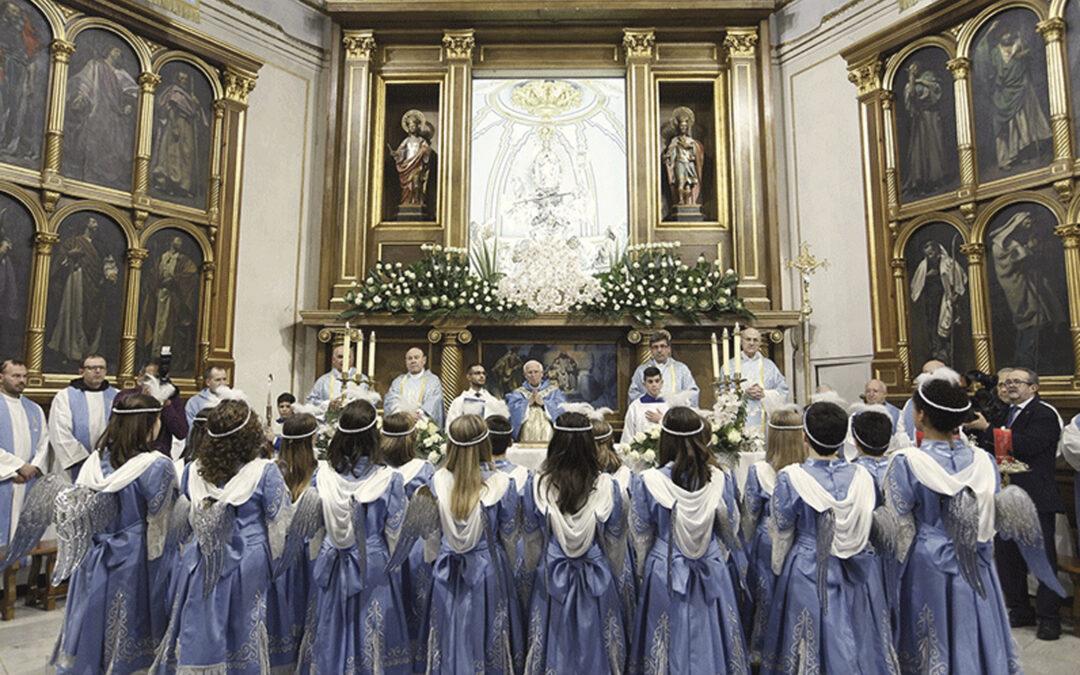 Misas solemnes, procesiones y volteos generales   de campanas honran a la Purísima en la diócesis El Arzobispo preside la fiesta en Ontinyent, la primera localidad en elegirla patrona