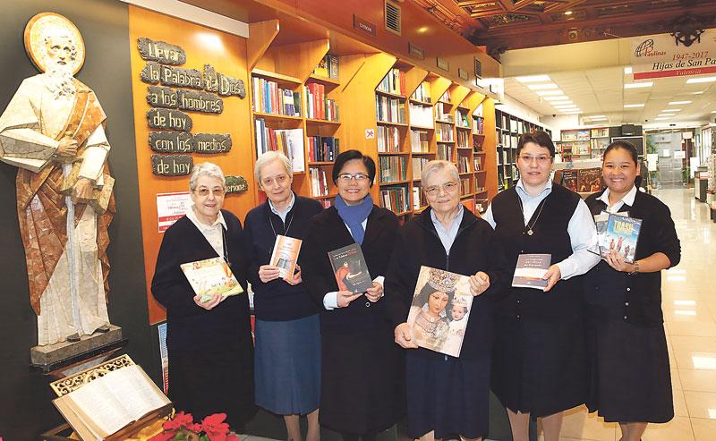 Paulinas: donde el mostrador de una librería se transforma en púlpito para la evangelización 70 años de presencia en Valencia de las Hijas de San Pablo, en su librería con capilla
