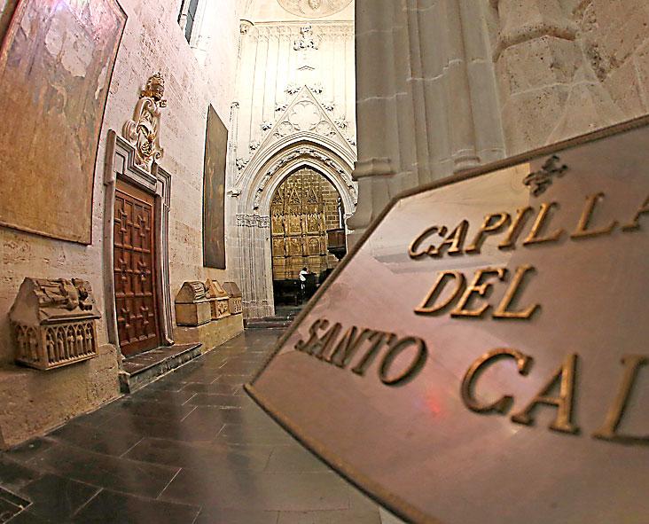 La capilla del Santo Cáliz incorporará decisivas mejoras después de cien años Reabre al culto tras limpiar muros y estrena en días la nueva iluminación del Grial