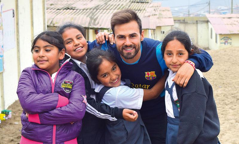 Ingeniero, investigador, docente… y con tiempo para dedicarlo a los más necesitados David Llopis ejerce su labor de voluntario en un centro de menores de las Hijas de la Caridad