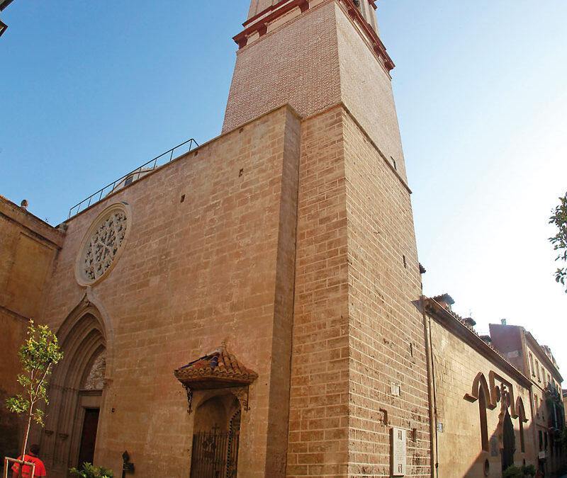 ¿Por quién callan las campanas? El Ayuntamiento aprovecha una queja vecinal para aplicar una ordenanza y silencia los campanarios de varias iglesias