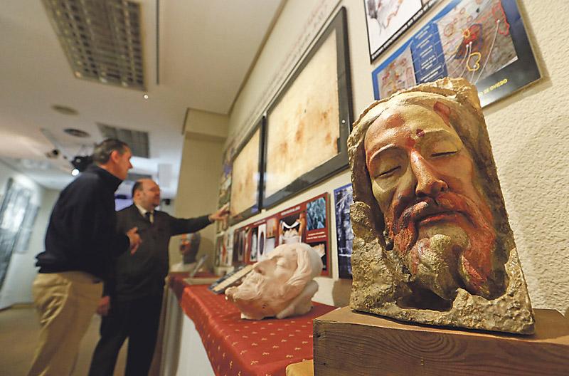 Los últimos trabajos sobre la Sábana Santa de Turín, a la vista de todos el Viernes Santo en Valencia En el Centro Español de Sindonología