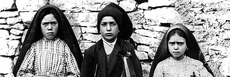 El mundo vuelve los ojos a Fátima  cien años después de las apariciones Francisco canoniza este domingo a dos de los pastorcitos videntes