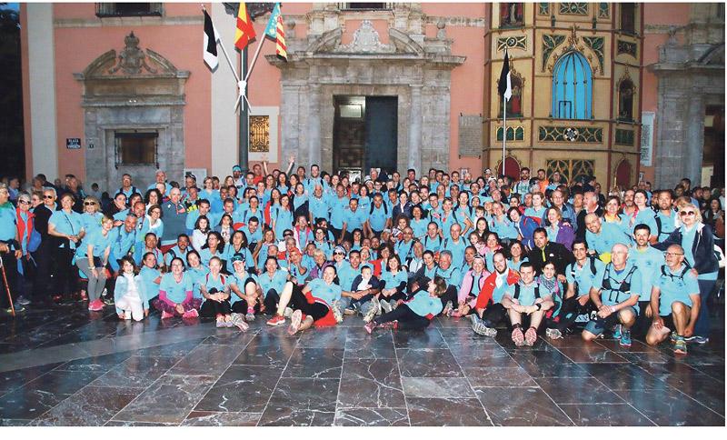 El corazón de Valencia, a punto para el gran homenaje a la Mare de Déu El Cardenal preside la missa d'Infants, y mons. Salinas la de 'descoberta'