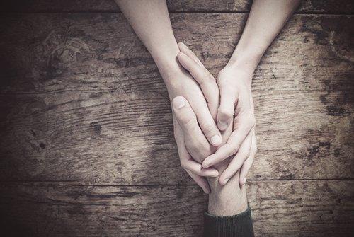 Un 51% más de familias pide a Proyecto Hombre asesoramiento, según la memoria anual de la entidad Según la Memoria Anual de 2016, el aumento es aún mayor, del 93 por ciento, en  atención preventiva a familias que han detectado un posible problema de adicciones