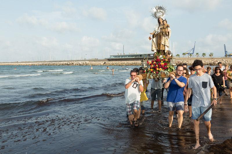 Las gentes del mar llevaron su devoción a la Virgen del Carmen por puertos y playas Con romerías, misas y ofrendas