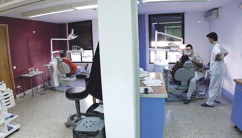 La Clínica Dental Solidaria necesita más voluntarios odontólogos e higienistas Atendió en 2016 a 1.632 pacientes sin recursos