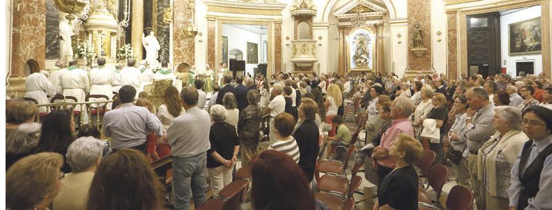 """El Arzobispo reza por """"la reconciliación y la unidad de España y para que sea posible la convivencia"""" En la eucaristía celebrada en la Basílica con motivo de la situación de Cataluña"""