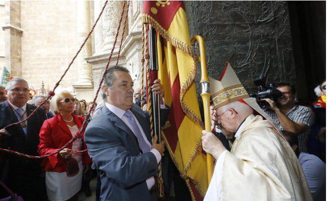 Valencia conmemora su reinstauración como reino cristiano El Cardenal preside el 9 d'Octubre el 'Te Deum' a las 11 en la Catedral ante la Senyera de Lo Rat Penat
