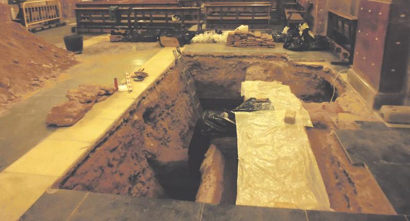 Hallan restos de la primera iglesia de Algemesí edificada tras la Reconquista en el siglo XIII Bajo la basílica de San Jaime, en unos trabajos por especialistas de la UPV