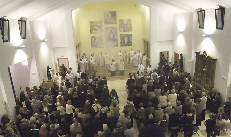 Un sueño cumplido tras 60 años El Cardenal consagra el nuevo templo de la parroquia Nuestra Señora del Rosario, de Massamagrell, hasta ahora ubicada en una antigua escuela en situación muy precaria