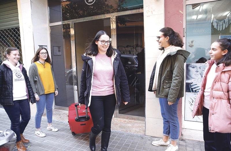Con 19 años, novicia del Cottolengo Ana Martínez, auxiliar de enfermería valenciana