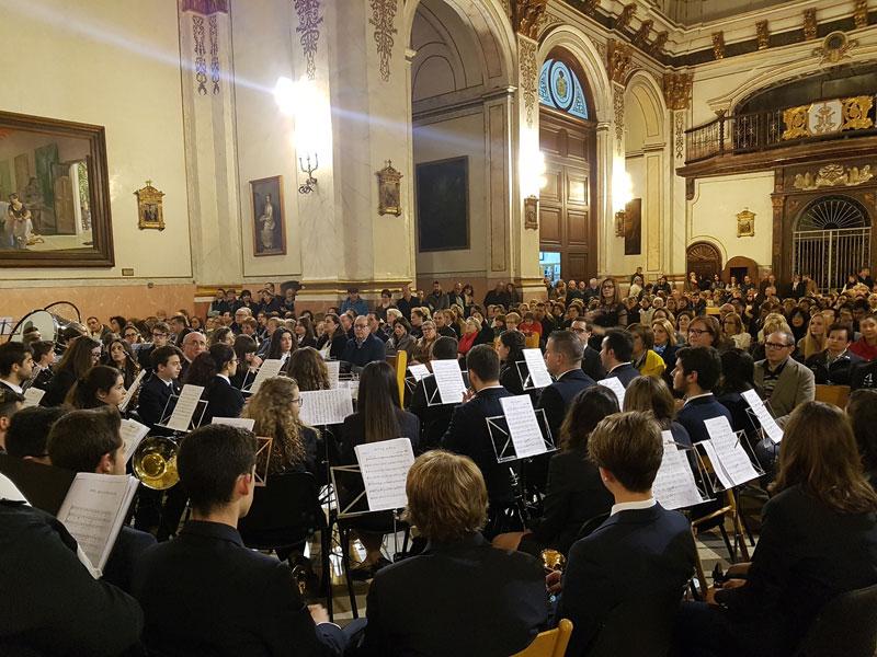 Concierto de música sacra de Cuaresma en Gandia Organizado por la Hermandad de la Santísima Cruz