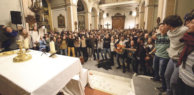 Un 'finde' triplemente  joven Vigilia en la Basílica, encuentro de pastoral y Hora Santa con Hakuna de España en Valencia