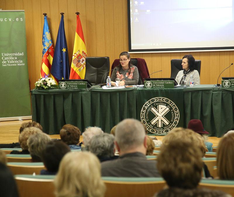 La mujer, impulsora de la nueva cultura de la familia La profesora Concepción Medialdea ofreció una conferencia organizada por el Foro de Laicos