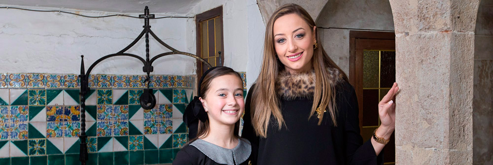 Las Fallas más vicentinas PARAULA entrevista a las falleras mayores, Rocío y Daniela, en la casa natalicia de San Vicente Ferrer