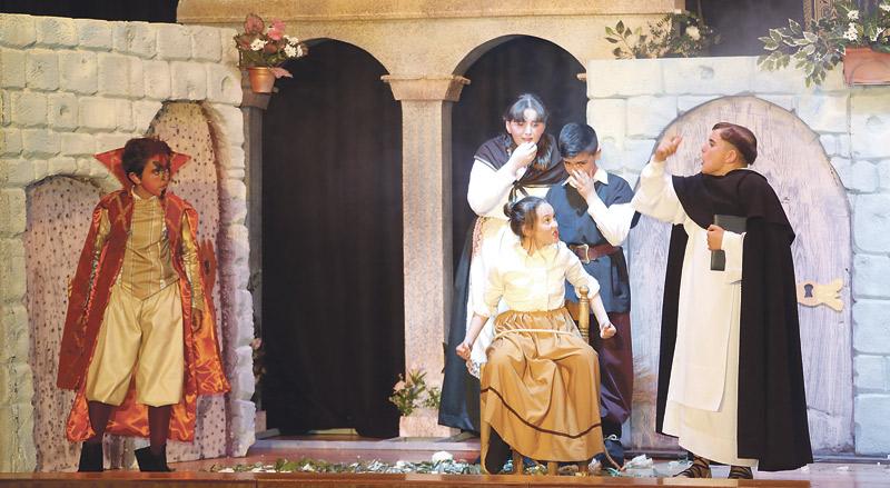 Más de 300 niños llevarán los milagros de san Vicente En 14 'altares' a las calles de Valencia