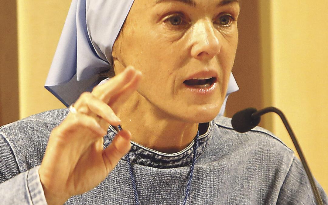 """""""Donde hay Eucaristía no puede haber  jamás decaimiento ni desánimo"""" Verónica Berzosa, fundadora de la congregación Iesu Communio"""