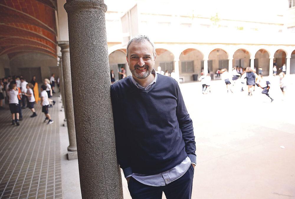 """""""Los colegios católicos no  pueden ser una isla analógica  en un mundo digital""""  Entrevista a Alberto Mayora, responsable de Redes Sociales de Escuelas Católicas"""